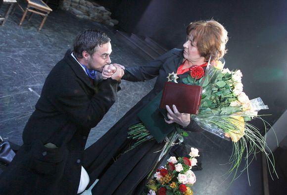 Martyno Siruso/adfoto.lt nuotr./Eglė Gabrėnaitė Vilniaus mažajame teatre sulaukė sveikinimų.