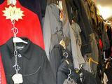 Policijos nuotr./Konfiskuoti rūbai