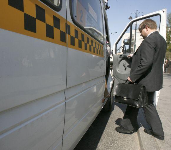 Privačios vežėjų kompanijos vairuotojas prašė susimokėti ir už mažamečių vaikų kelionę.