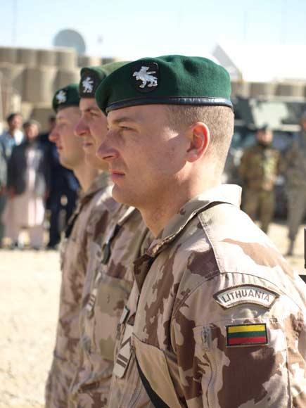 PAG-12 kariai
