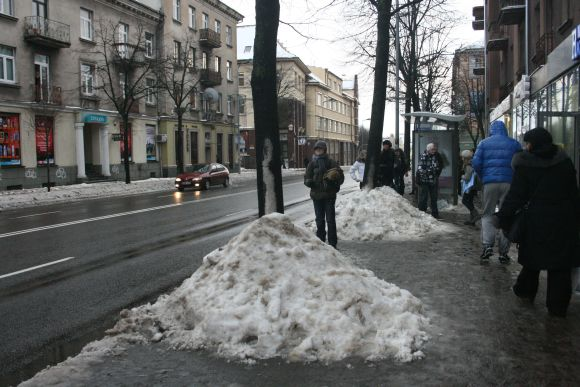 Pirmadienį atšilus ir kilus lijundrai Klaipėdos gatves sėme vanduo.