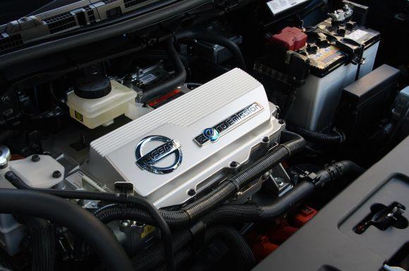 """""""Nissan Leaf"""" variklis"""