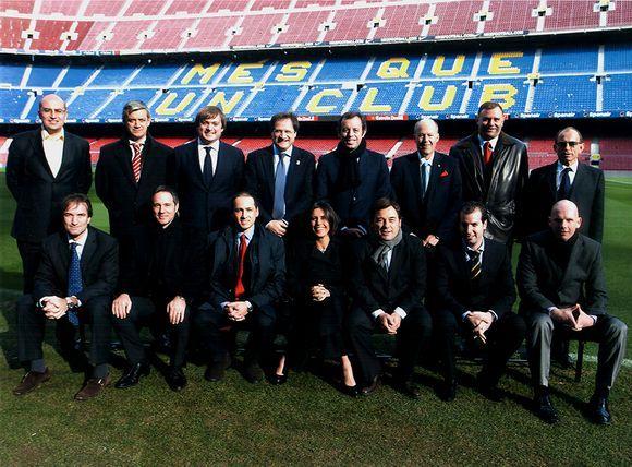 """Aušrys Labinas (antra eilė trečias iš kairės) """"Camp Nou"""" stadione"""