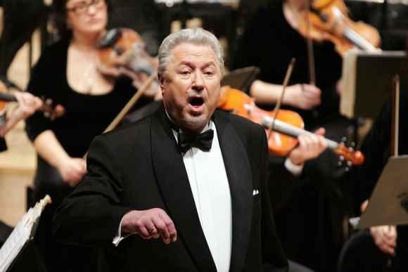 """Nacionalinė kultūros ir meno premija tenorui V.Noreikai skirta """"už aukščiausią vokalinį meistriškumą, už neblėstantį talentą""""."""