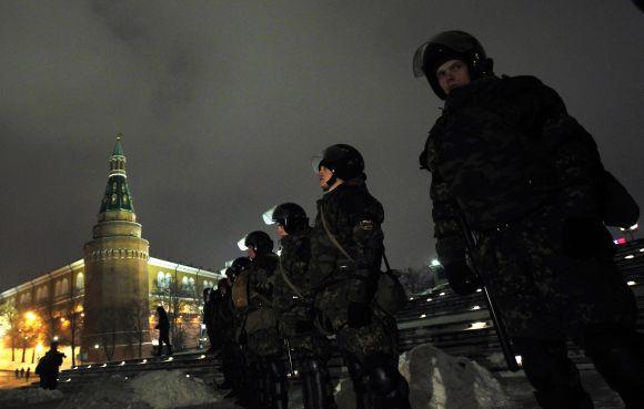 OMON pareigūnai užblokavo Maniežo aikštės prieigas Maskvoje.