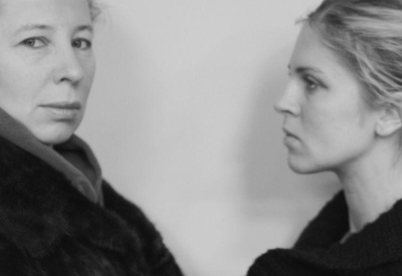 """Eglė Mikulionytė ir Edita Užaitė spektaklyje """"George'o Washingtono meilės"""""""