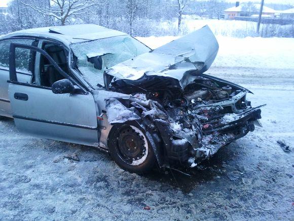 Į avariją patekęs automobilis