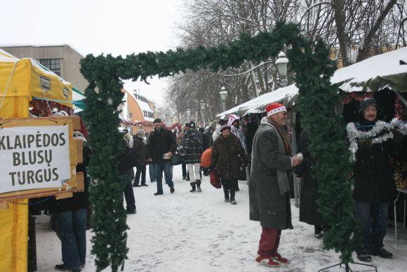 """Sekmadienį vyko vienintelis žiemiškasis """"Blusų turgaus""""."""