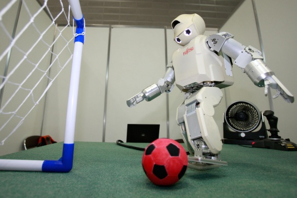 Robotai Japonijos rinktinės žaidėjų kol kas neturėtų pakeisti.