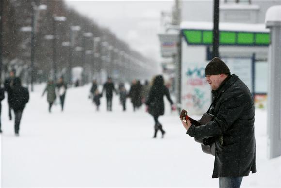 """2010–iesiems visiškai priartėjus prie pabaigos, kartu su keliais žinomais kauniečiais nutarėme trumpai apžvelgti prabėgusius metus ir pabandyti nuspėti, kas mūsų laukia 2011–aisiais.  """"Metai Kaunui buvo sunkūs, kaip ir visai valstybei. Tačiau Kaunas žemyn nebesmuko. Mieste matyti nemažai atsigavimo"""