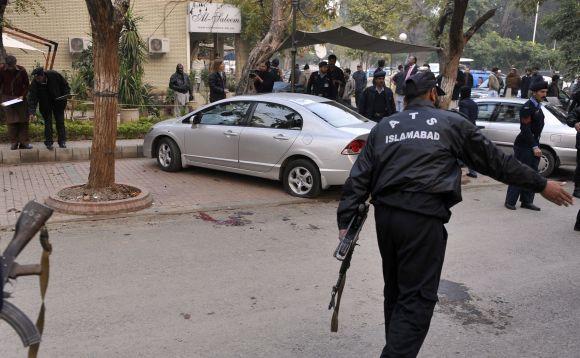 Salmaną Taseerą nušovė jo paties apsaugininkas.