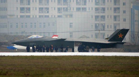 Reuters/Scanpix nuotr./Kinijos sukurtas penktos kartos naikintuvas