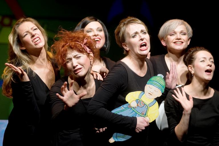"""Spektaklio """"Ša, kalba mamos!"""" aktorės"""