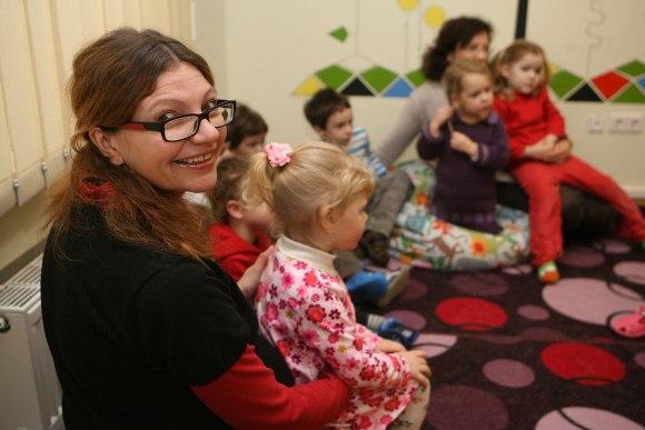 Anot S.Štelbienės, vaikų, norinčių lankyti privatų vaikų darželį, yra daugiau, negu jie gali priimti, tačiau rasti tinkamas patalpas ir įsteigti tokį darželį vis dar yra sudėtinga.