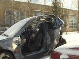 """LNK žinių stop kadras/Automobilis """"Opel Vectra"""", kuriuo keliavo keturi medikai."""