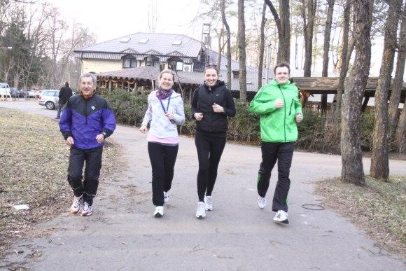 Į pirmąją 69 metų profesionalaus bėgimo trenerio P.Rakštiko treniruotę atėjo tik dvi studentės ir vienas iš Vilniaus maratono organizatorių.