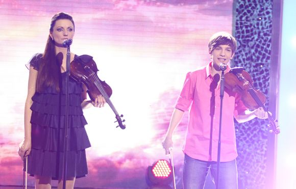 """""""Žvaigždžių duetų"""" poros demonstravo savo talentus."""