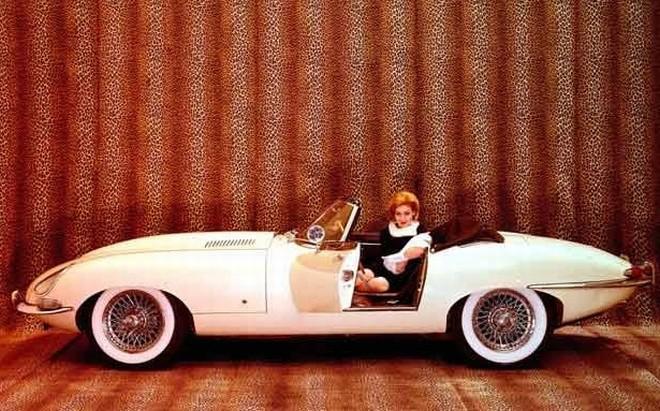 """""""Jaguar E-Type"""" – gimęs prieš 50 metų"""