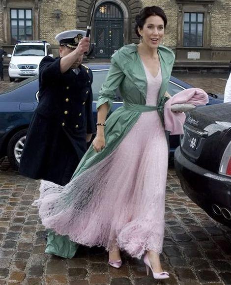 Hanne Juul/Billed Bladet nuotr./Danijos princesė Mary per savo vyro 40-mečio šventę