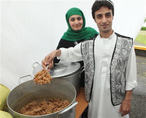 Šventės organizatorių archyvo nuotr./Plovas Tautinių patiekalų mugėje karaliavo tradiciniu šios šventės patiekalu tapęs afganistanietiškas plovas