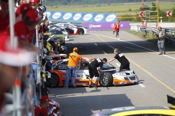Organizatorių nuotr./Dalyviai ketvirtadienį  iabandė lenktynių trasą.