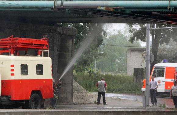 Ugniagesiai tramdė ugnies apniktą Geležinkelio tiltą.