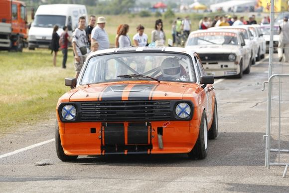 Organizatorių nuotr./Istorinių automobilių kvalifikacija