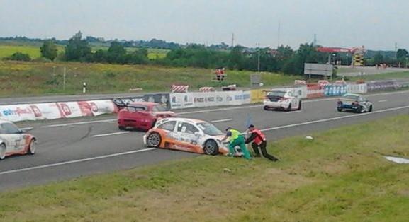 15min.lt nuotr./Chervonenko Racing komandos Audrius Stasiulevičius apsisuko trasoje