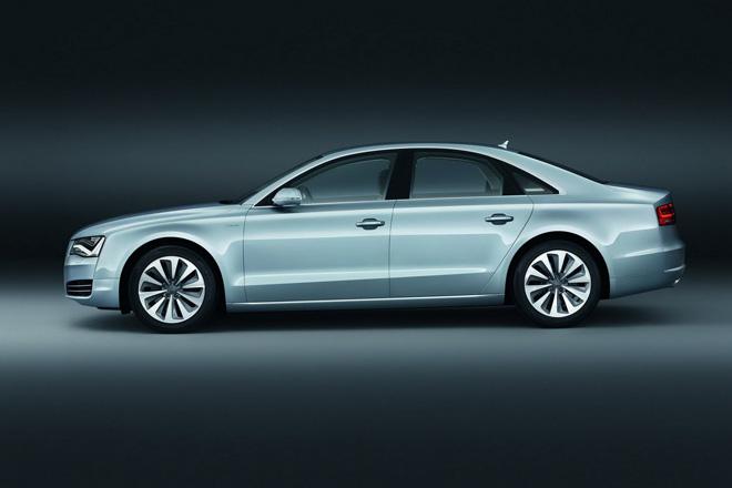 """2012-ųjų """"Audi A8 Hybrid"""""""