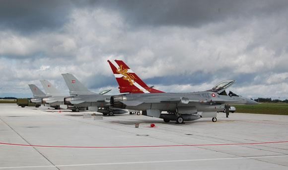 Danijos karališkųjų karinių oro pajėgų naikintuvai F-16