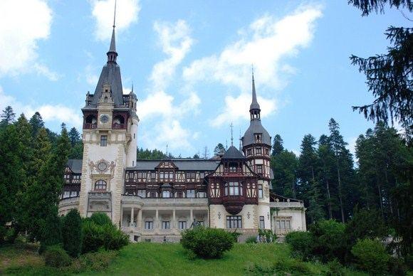 A.`ileikio nuotr./Iaskirtinė Rumunijos architektūra