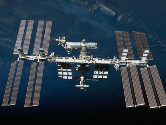 Scanpix nuotr./Tarptautinė kosminė stotis ir prie jos prisijungę kosminiai laivai
