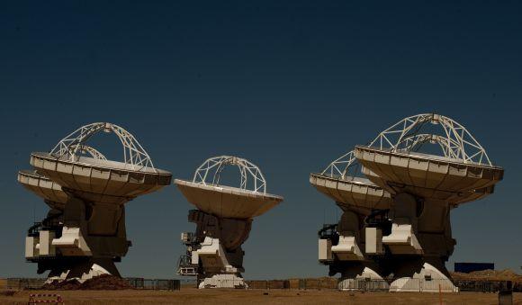 ALMA galingas radijo teleskopas
