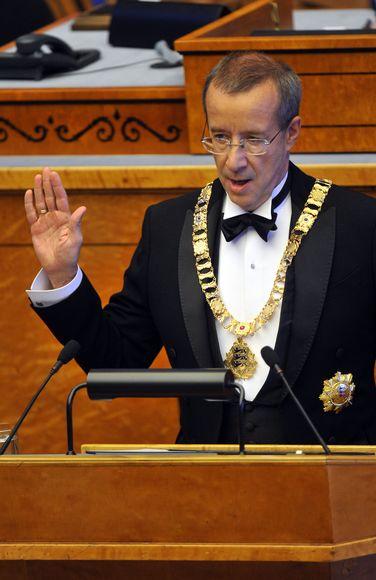 Prezidentas Toomas Hendrikas Ilvesas Estijos parlamente prisiekia antrai kadencijai