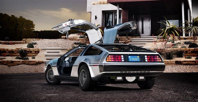 """Elektra varomas """"DeLorean"""" – prekyboje 2013-aisiais"""