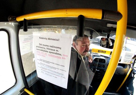 Skelbimais apie naikinamus maršrutus keleiviai gąsdinami jau kelias savaites.