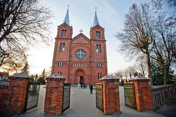 Tado Končiaus nuotr./Plungės av. Jono Krikatytojo bažnyčia