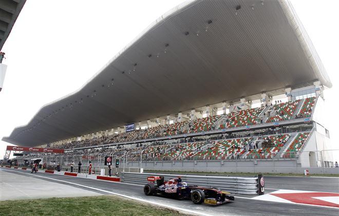 F-1 Indijos GP: Penktadienio treniruotės