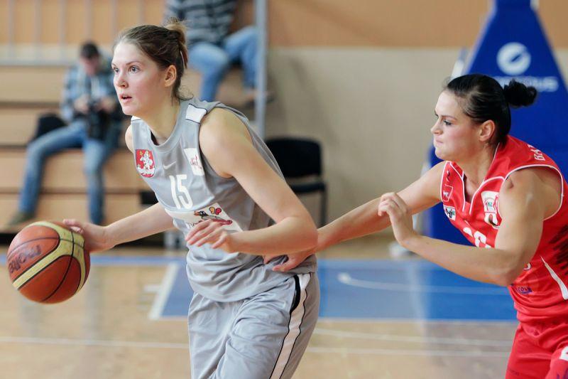 Vilniaus krepšininkės iškovojo lengvą pergalę