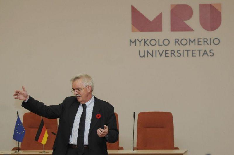 Vokietijos ambasadorius skaito paskaitą studentams