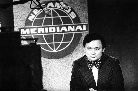 VaĮ ATM kompanija nuotr./Algimantas Čekuolis 1973 m. pradėjo vesti laidą Neramūs meridianai