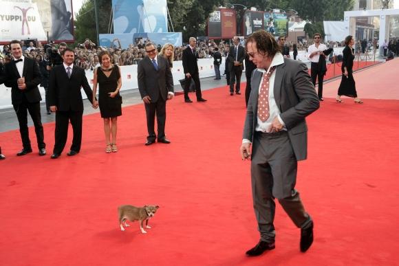 Mickey Rourke'as ir jo numylėtinis Loki (2008 m.)