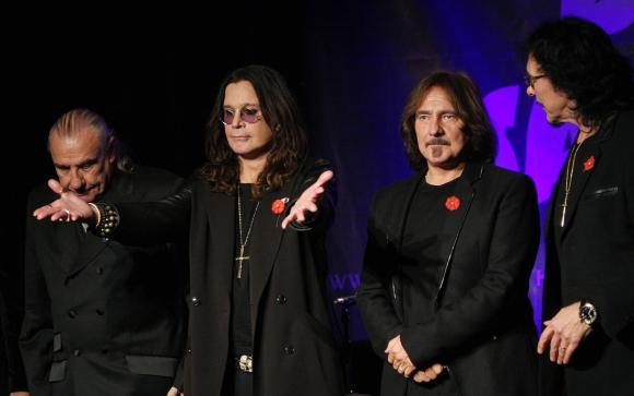 """""""Black Sabbath"""" nariai (iš kairės): Billas Wardas, Ozzy Osbourne'as, Geezeris Butleris ir Tony Iommi"""