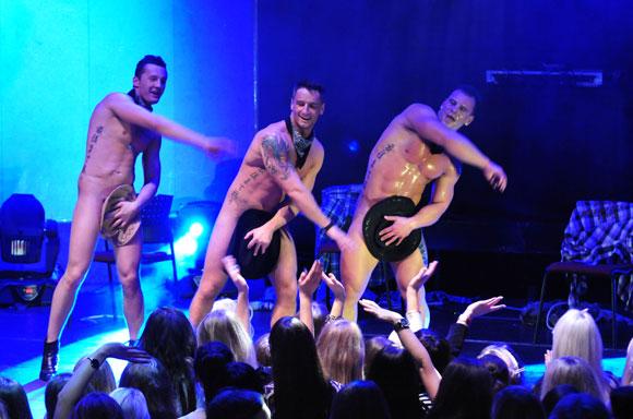 """EROTICshowMEN 2011"" finale šokėjai nesigėdijo nieko"