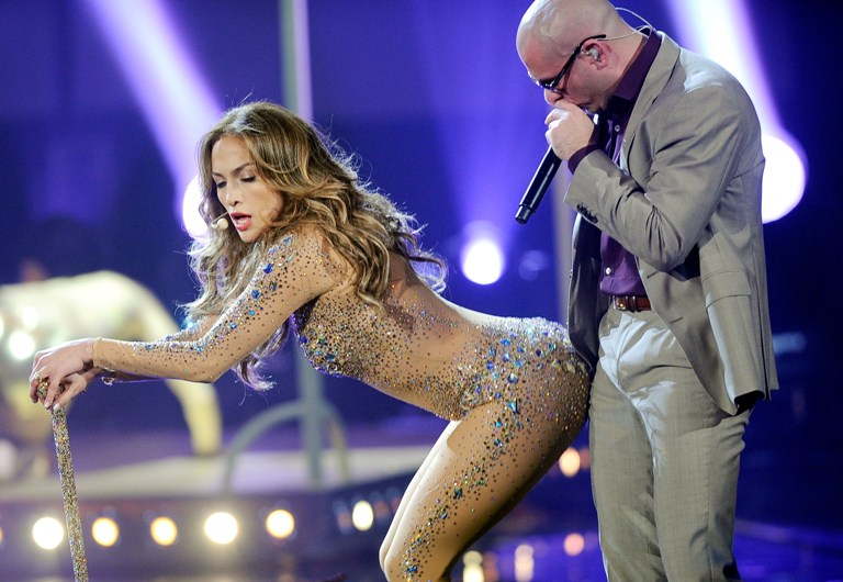 Jennifer Lopez ir reperis Pitbullis
