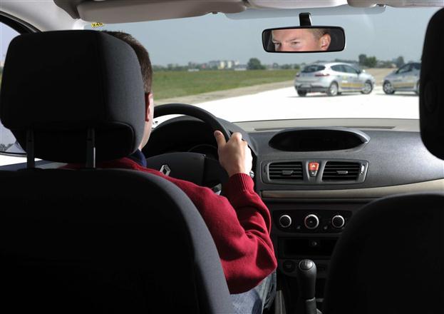 """""""Renault"""" vairavimo mokykla"""