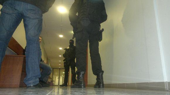 """""""Aro"""" pareigūnai teisme"""