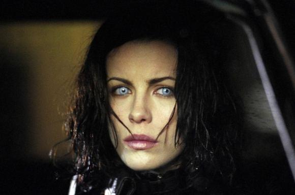 Kadras ia filmo/Kate Beckinsale 2003-ųjų filme Kitas pasaulis