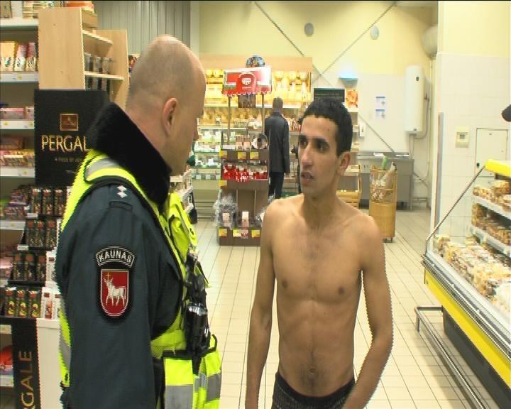 Kauno prekybos centre sulaikytas nuogalius
