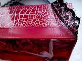 Ant dėžutės kraatų klijuojame nertą juostelę